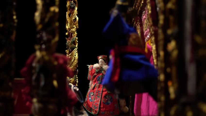 以多重視角建構傳統布袋戲的劇場性《掌中京奇•菩薩淚》