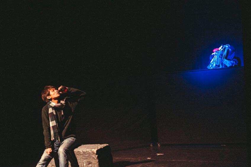傳統的侷限與無限--布袋戲搖滾音樂劇《隱藏的冤家》